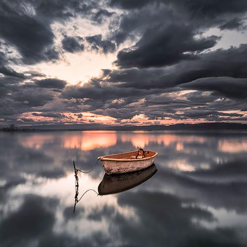 Boot auf dem See mit Olympus